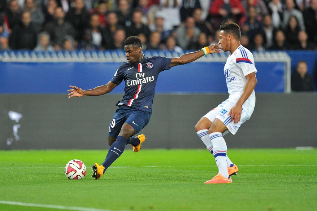 Serge Aurier au PSG jusqu' en 2019