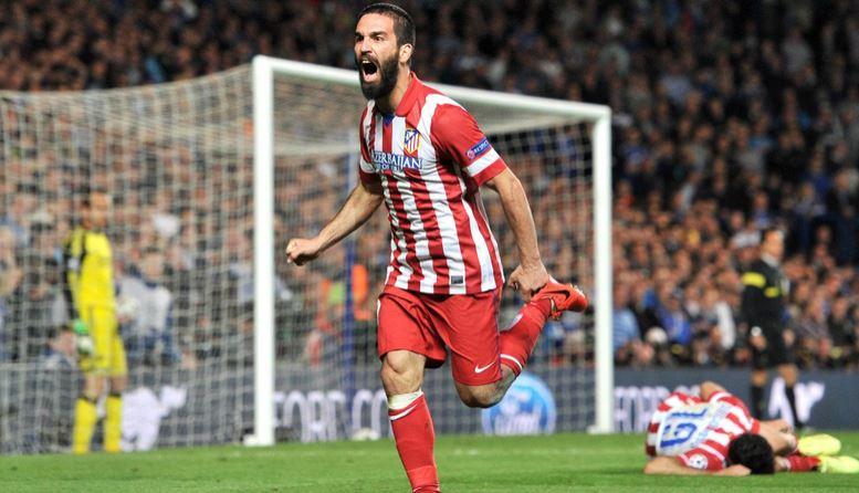 Le PSG négocie avec l' Atlético Madrid le transfert d' Arda Turan