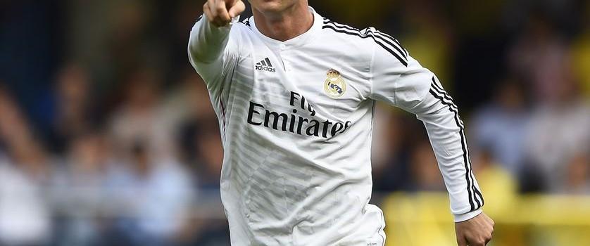Cristiano Ronaldo s'éloigne du PSG